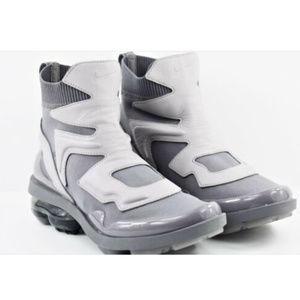 3e978dae92 Nike Shoes - Womens Nike Vapormax Light II Shoes AO4537